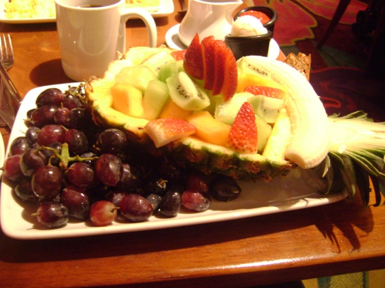 The fruit plate. You better get this!